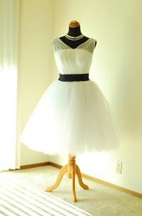Knee-Length Tea-Length V-Neck Tulle Dress With Sash Ribbon