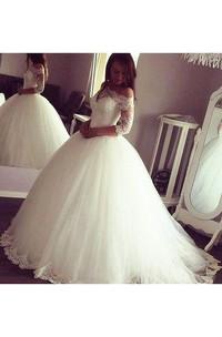 Elegant Sheer Long Sleeve Off the Shoulder Tulle Lace Appliqued Bridal Gown
