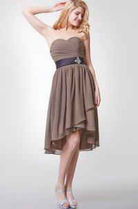 Sleeveless Pleated High Low Chiffon Dress With Beaded Brooch