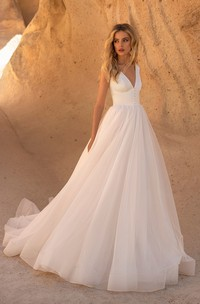 Sleeveless V-neck And V-back Tulle A-line Wedding Dress With Button Details