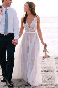 Sleeveless V Neck A-line Long Tulle Dress With Lace Top
