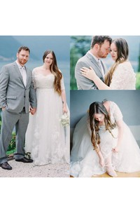 Plus Size Half Sleeves A-Line Appliques V Neck Lace Bridal Gown