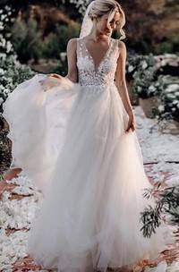 Bohemian Modern A Line Lace Tulle V-neck Sleeveless Wedding Dress With Appliques