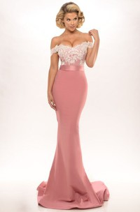 Trumpet Off-The-Shoulder Long Appliqued Jersey Prom Dress