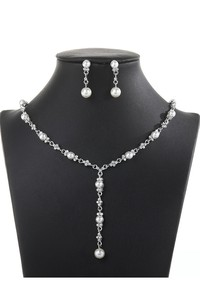 Elegant Rhinestone and Pearl Necklace and Earrings Jewelry Set