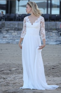 Sexy Chiffon Scalloped Keyhole Bridal Gown with Applique