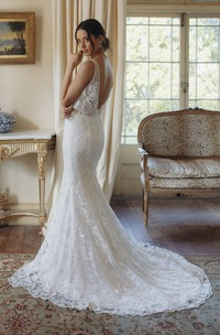 Lace Plunging V-neck Sexy Mermaid Sleeveless Bridal Gown With Deep V-back And Court Train
