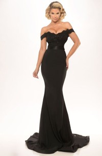 Trumpet Floor-Length Off-The-Shoulder Appliqued Jersey Prom Dress With Backless Style And Lace