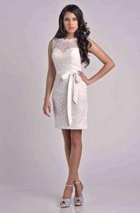 Short Sleeveless Lace Sheath Bridesmaid Dress With Detachable Bow Ribbon