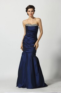 A-Line Sweetheart Sleeveless Floor-length Taffeta Prom Dress with Open Back and Beading