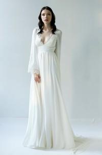 Sexy Sheath Chiffon Scalloped Deep-V Back Bridal Gown