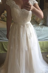 Cap Sleeve Scalloped Neckline A-line Tulle Gown With Lace Bodice